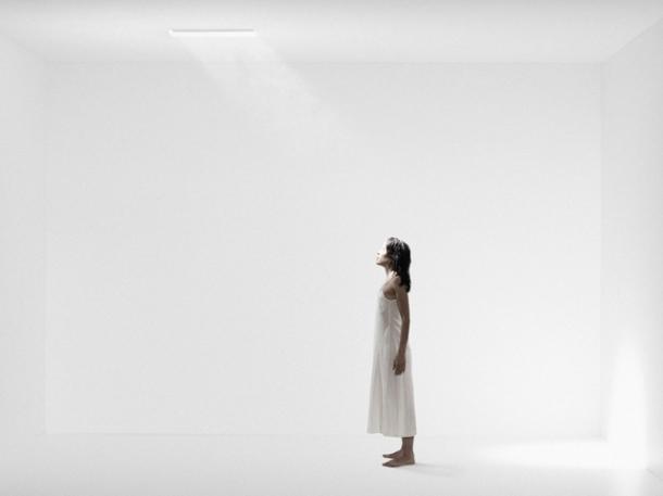 b0152-02-the-white-room-2